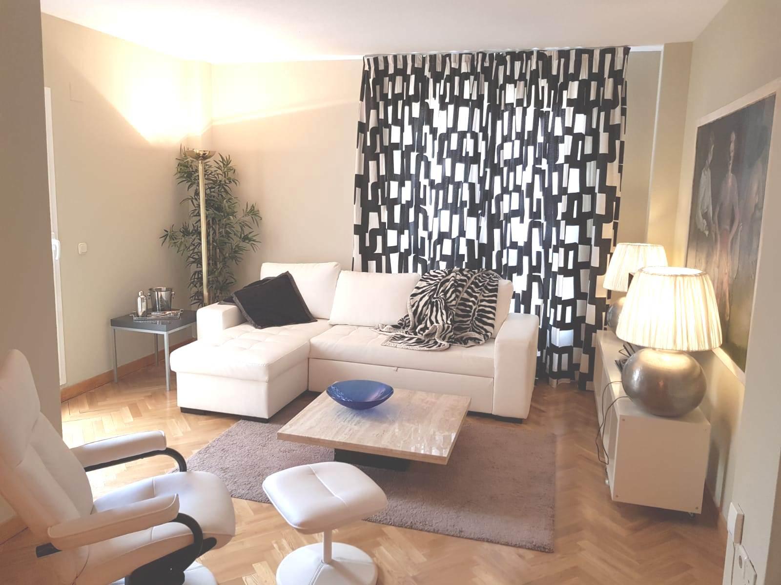 Living area at Castillo 20 Apartment, Trafalgar, Madrid