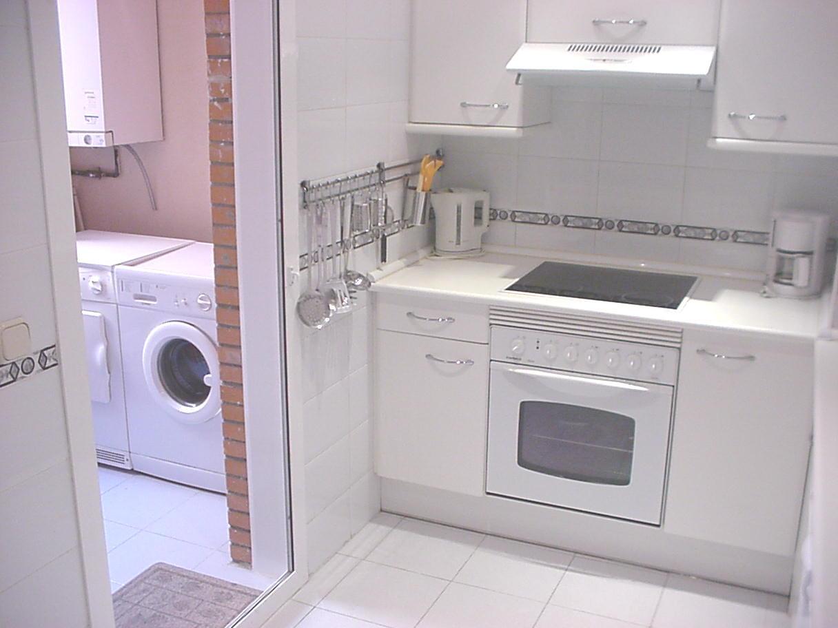 Kitchen at Castillo 20 Apartment, Trafalgar, Madrid