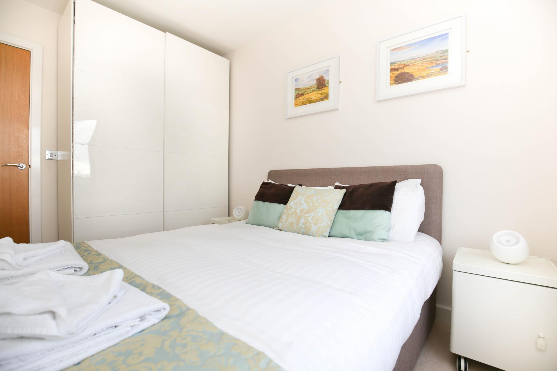 Cosy bedroom at Grove Park Apartment