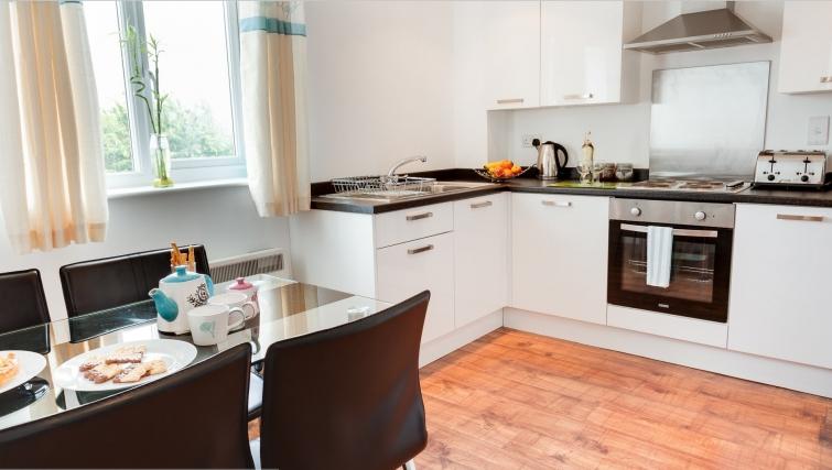 Bright kitchen in Meridian Apartment Suites