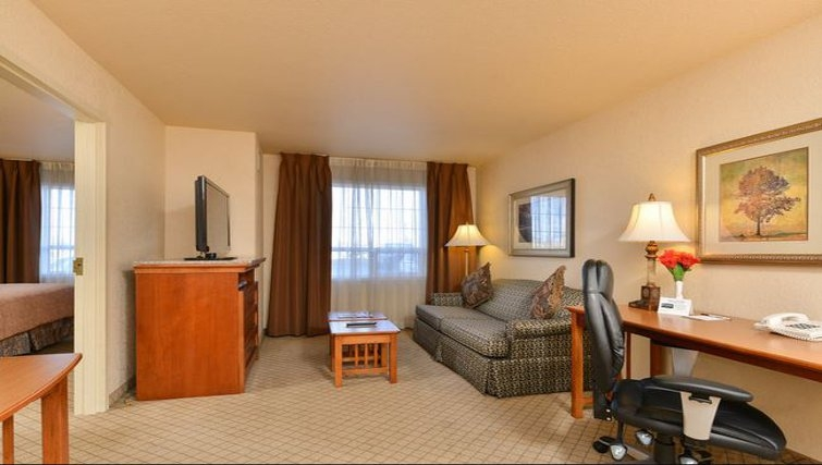 Ideal living area in Staybridge Suites Calgary Airport