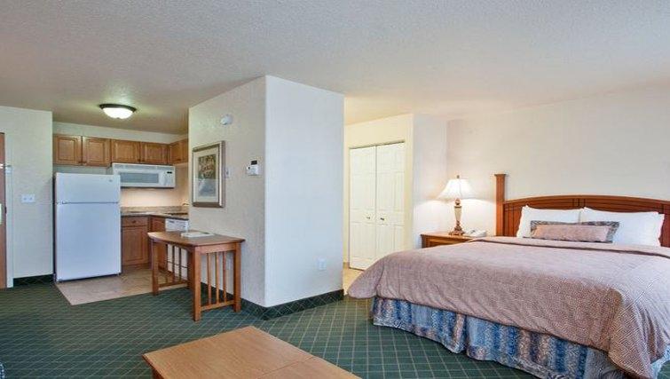 Multifunctional living area in Staybridge Suites Calgary Airport