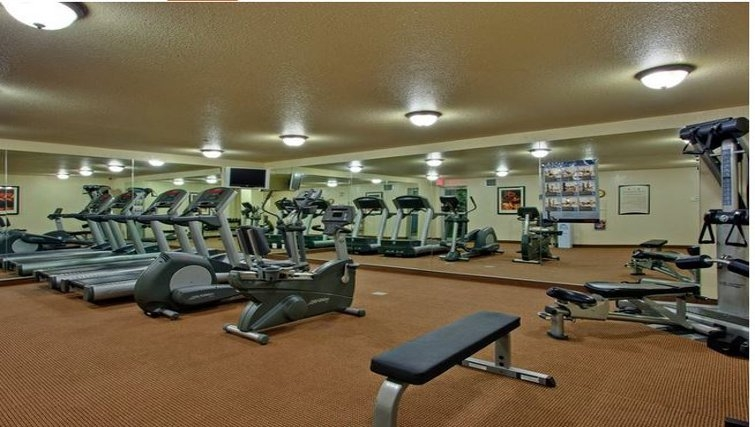 Equipped gym in Staybridge Suites Calgary Airport