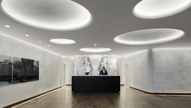 Modern reception in AKA Beverly Hills