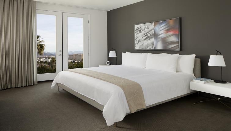 Divine bedroom in AKA Beverly Hills