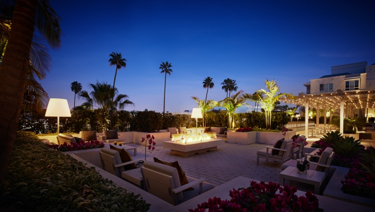 Spectacular communal gardens in AKA Beverly Hills