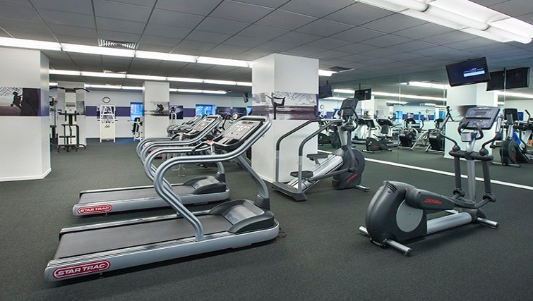 State-of-the-art gym in 777 6th Avenue Apartments