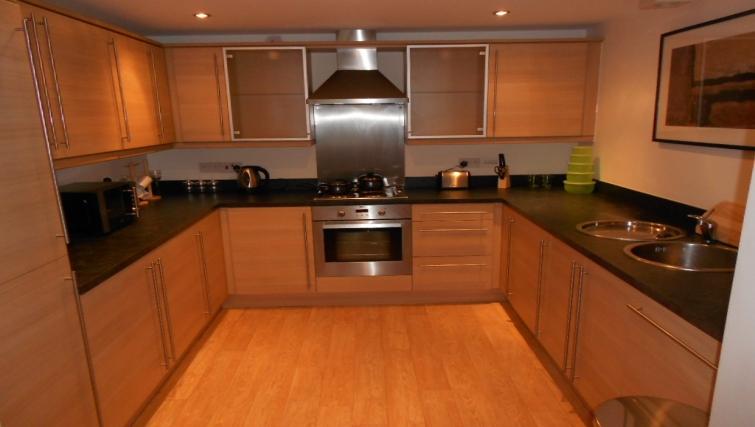 Modern kitchen in Gladstone Mews Apartment