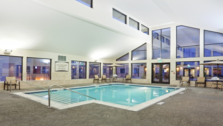 Gorgeous pool in Staybridge Suites Seattle North-Everett