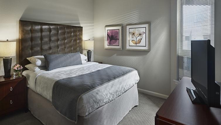 Comfortable bedroom in AVE Clifton Apartments