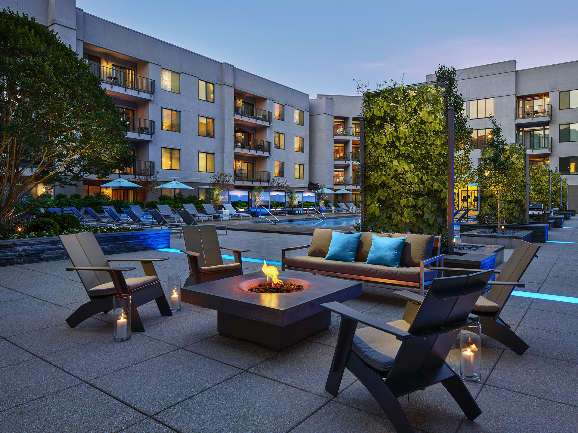 Communal outdoor space at AVE Clifton Apartments