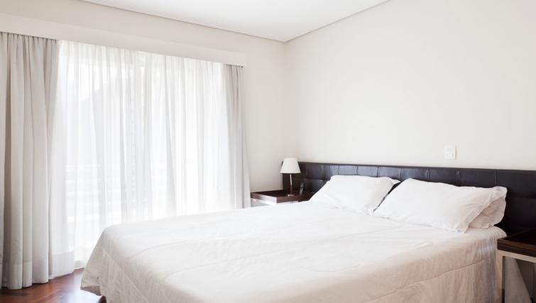 Delightful bedroom in Capote Valente Apartment