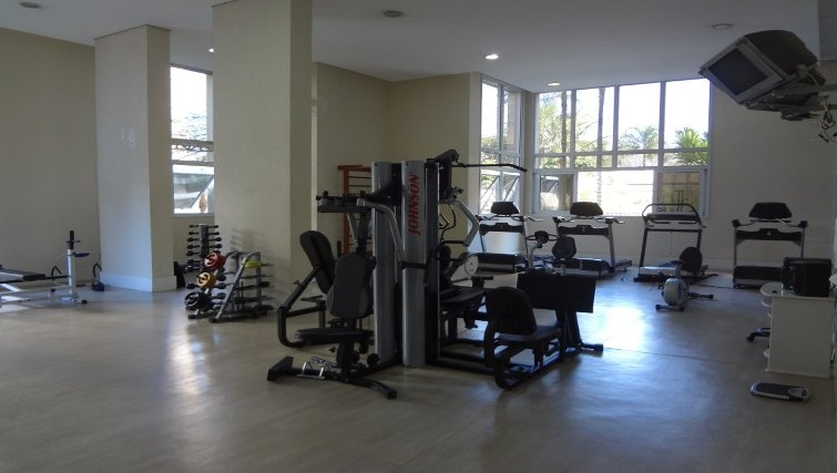 Equipped gym in Mandarim Apartments