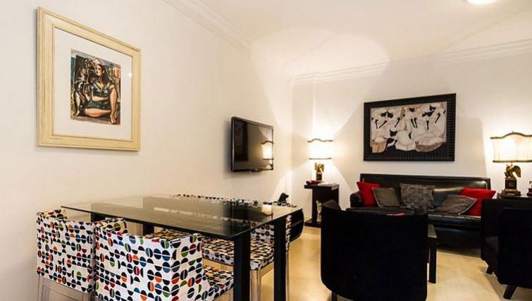 Stylish dining area in Varieta Apartment