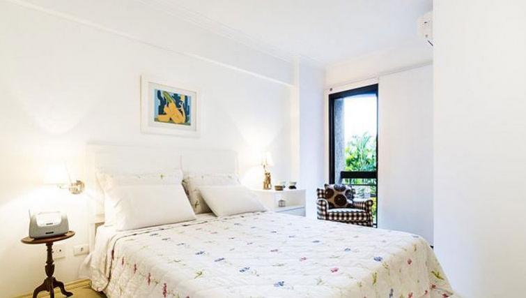 Charming bedroom in Varieta Apartment