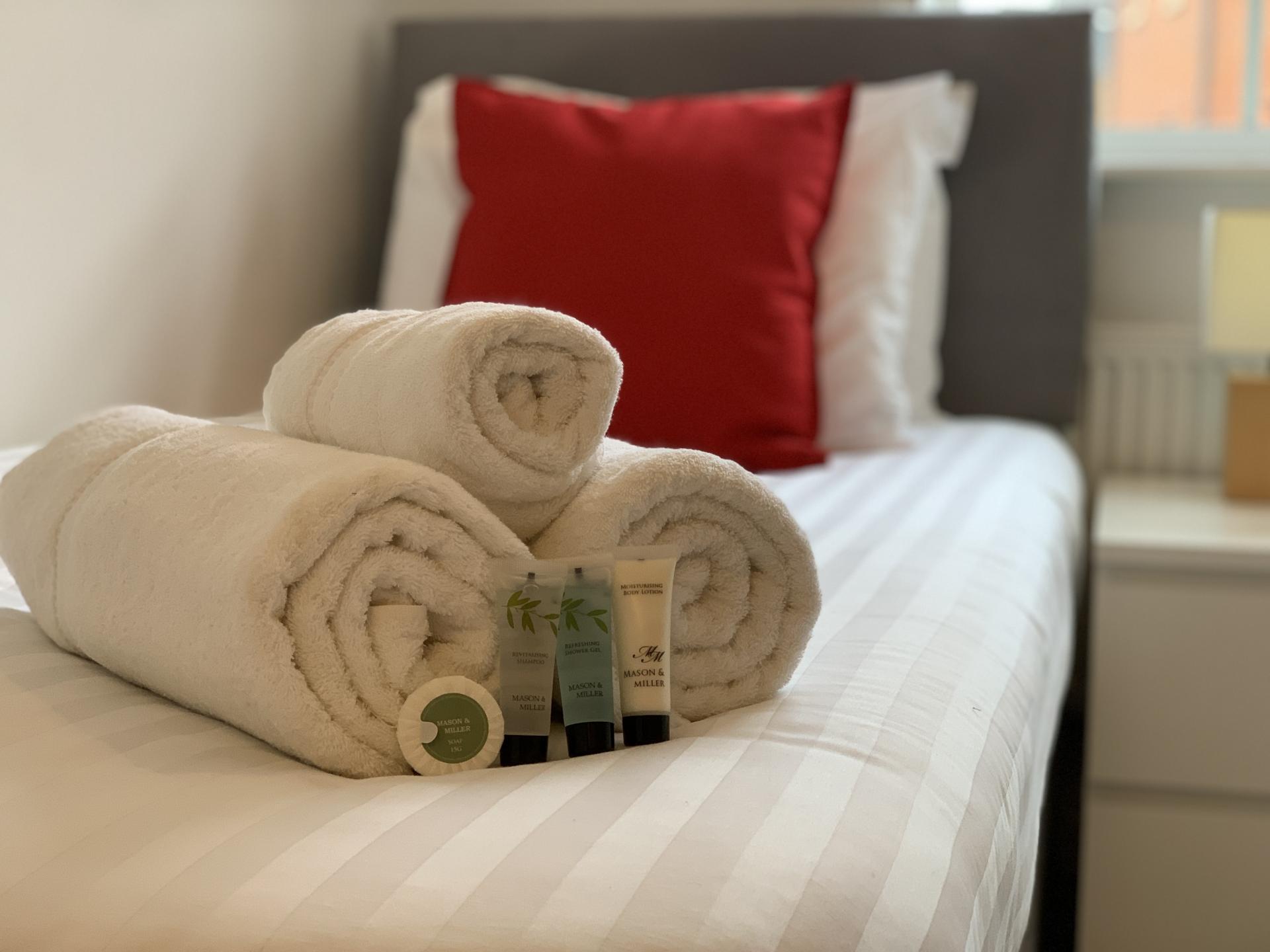 Practical bedroom in Deer Valley Apartment