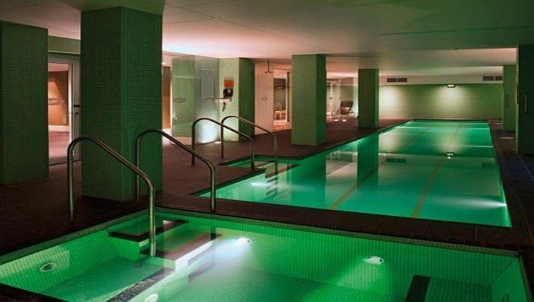 Pool in Adina Apartment Hotel Adelaide Treasury