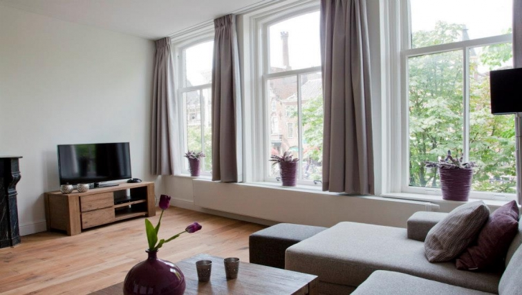 Sophisticated living area in Oudegracht Apartments