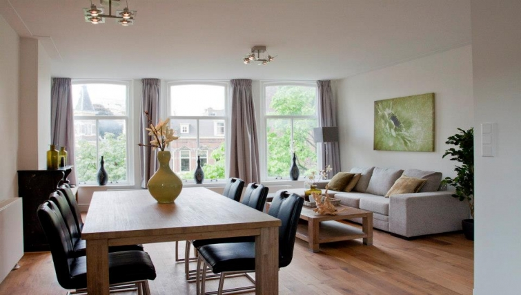 Delightful dining area in Oudegracht Apartments