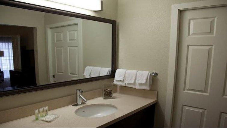 Practical bathroom in Staybridge Suites Chatsworth