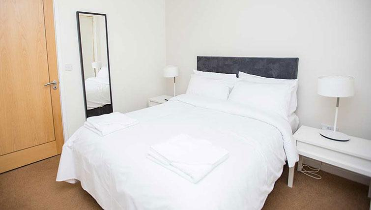 Comfortable bedroom in Gasworks Apartments