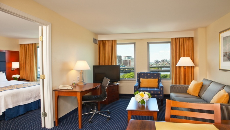 Bright living area in Residence Inn Boston Harbor on Tudor Wharf