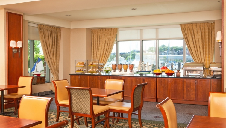 Practical dining area in Residence Inn Boston Harbor on Tudor Wharf