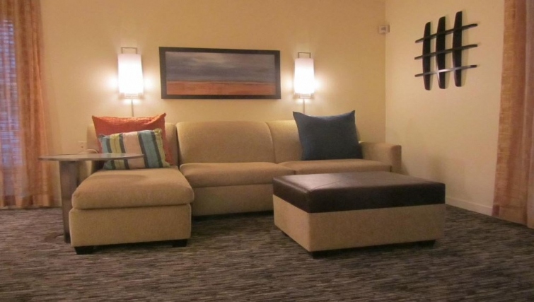 Attractive living area in Hyatt House Scottsdale-Old Town