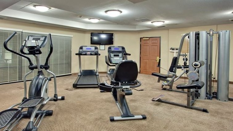 Equipped gym in Staybridge Suites Phoenix-Glendale