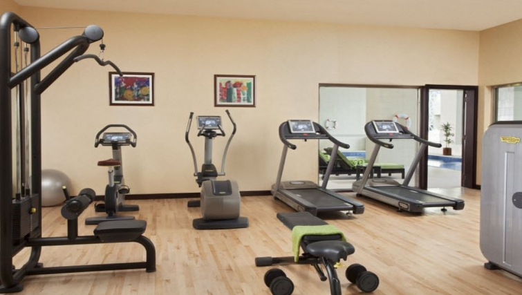 Equipped gym in Hyatt Residence Doha West Bay