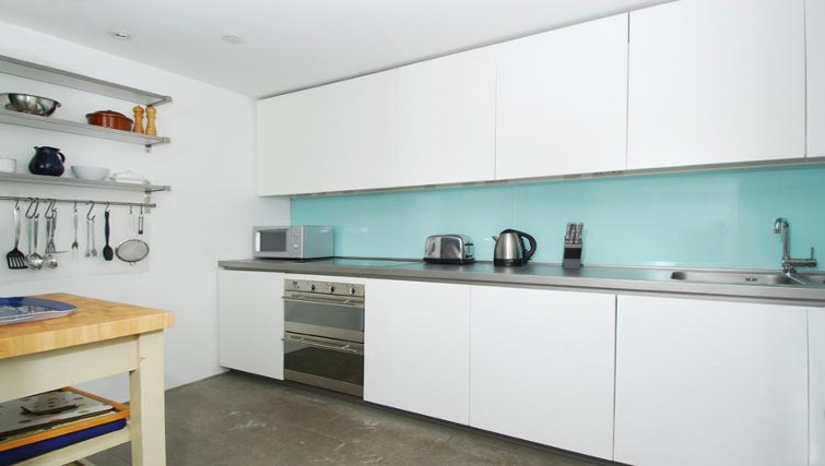 Ideal kitchen in Brewhouse Royal William Yard Apartments
