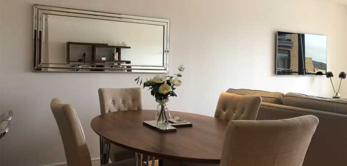 Two bedroom dining area at Kew Bridge Piazza Apartments