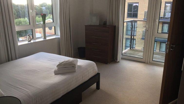 Bedroom at Kew Bridge Piazza Apartments