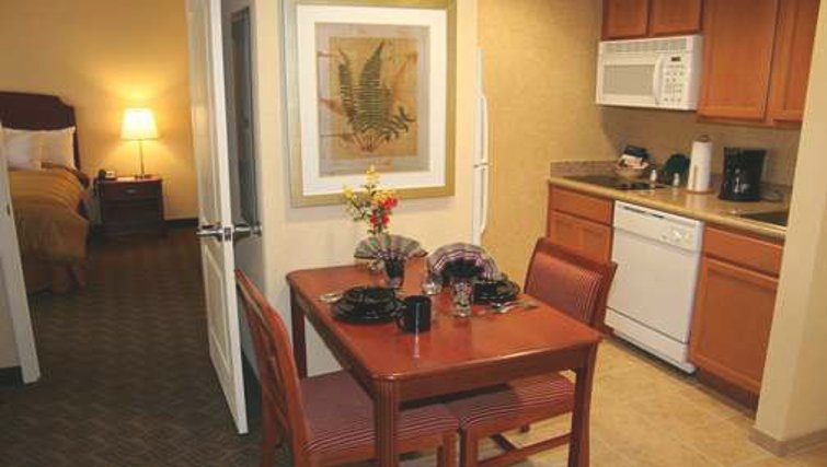 Ideal kitchen in Homewood Suites Daytona Beach Speedway Airport