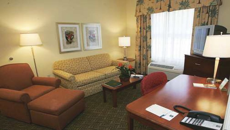 Multifunctional living area in Homewood Suites Daytona Beach Speedway Airport