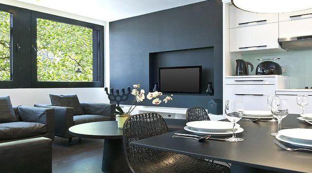 Contemporary living area in B-aparthotel Regent