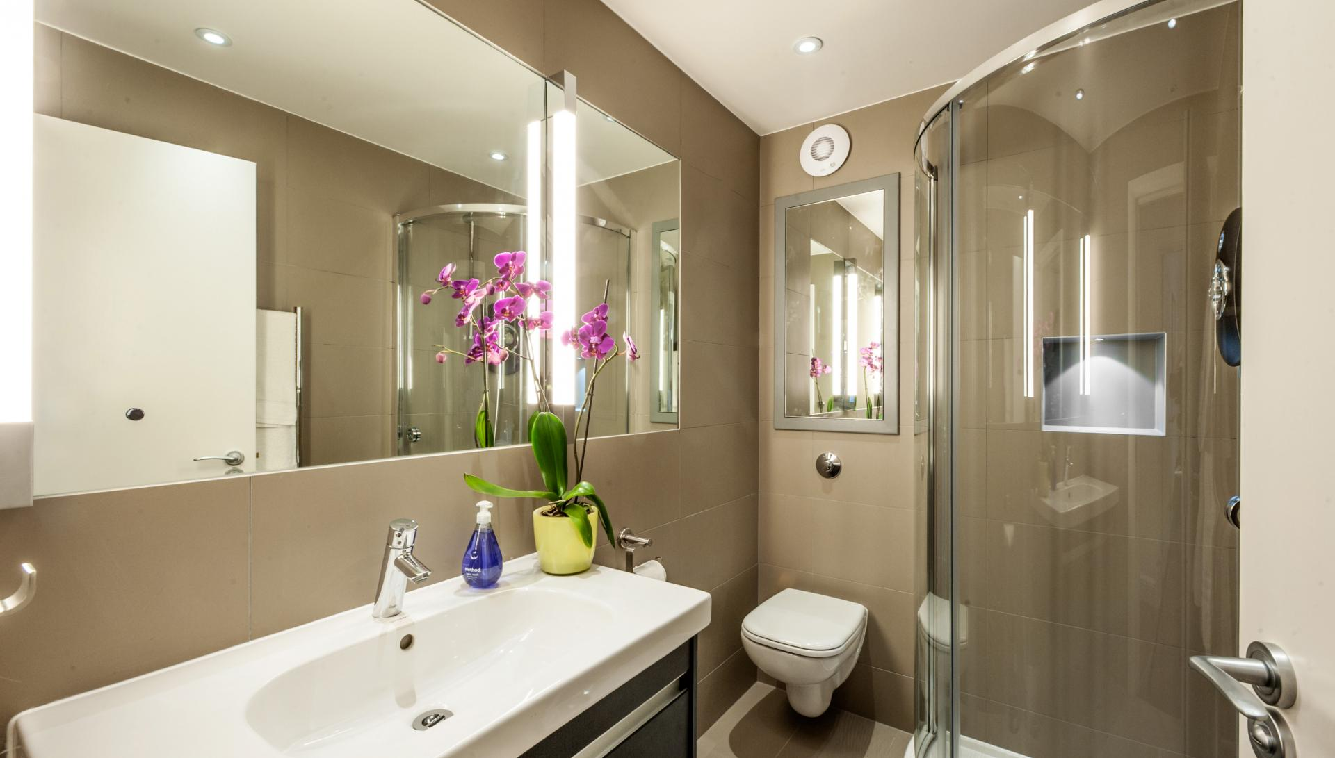 Bright bathroom at Chiltern Street Apartments