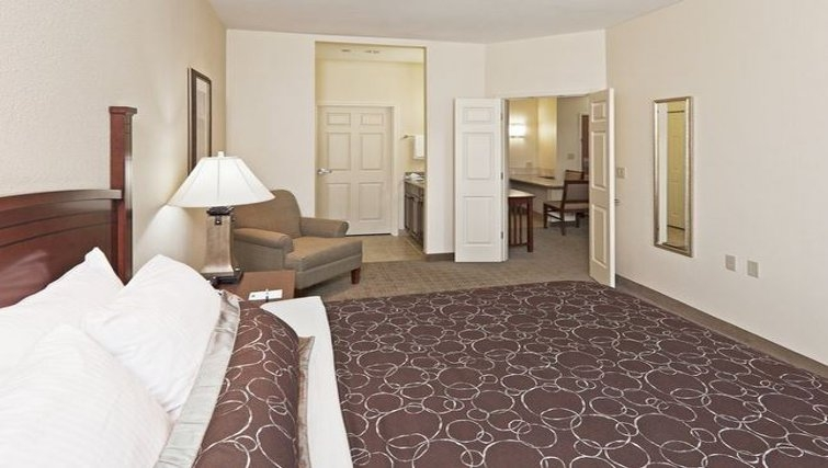 Delightful bedroom in Staybridge Suites Oklahoma City