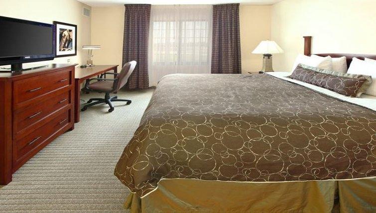 Bright bedroom in Staybridge Suites Fort Worth West