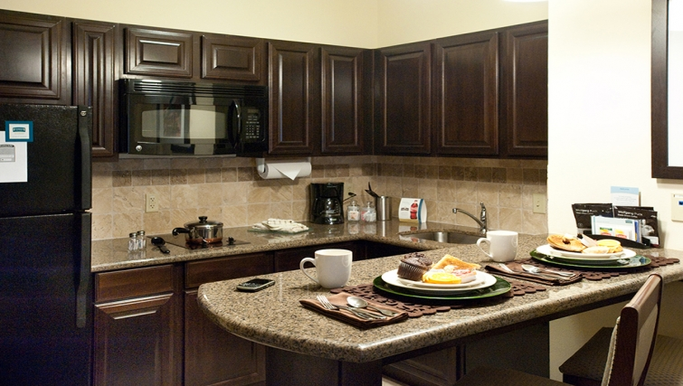 Equipped kitchen in Staybridge Suites Fort Worth West