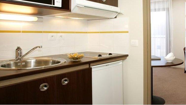 Practical kitchen in Appart City Montelimar
