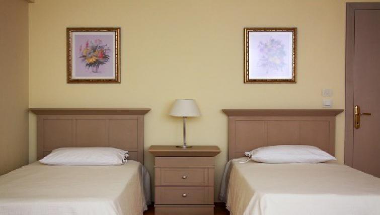 Practical bedroom in Sabri Alanyali Residence
