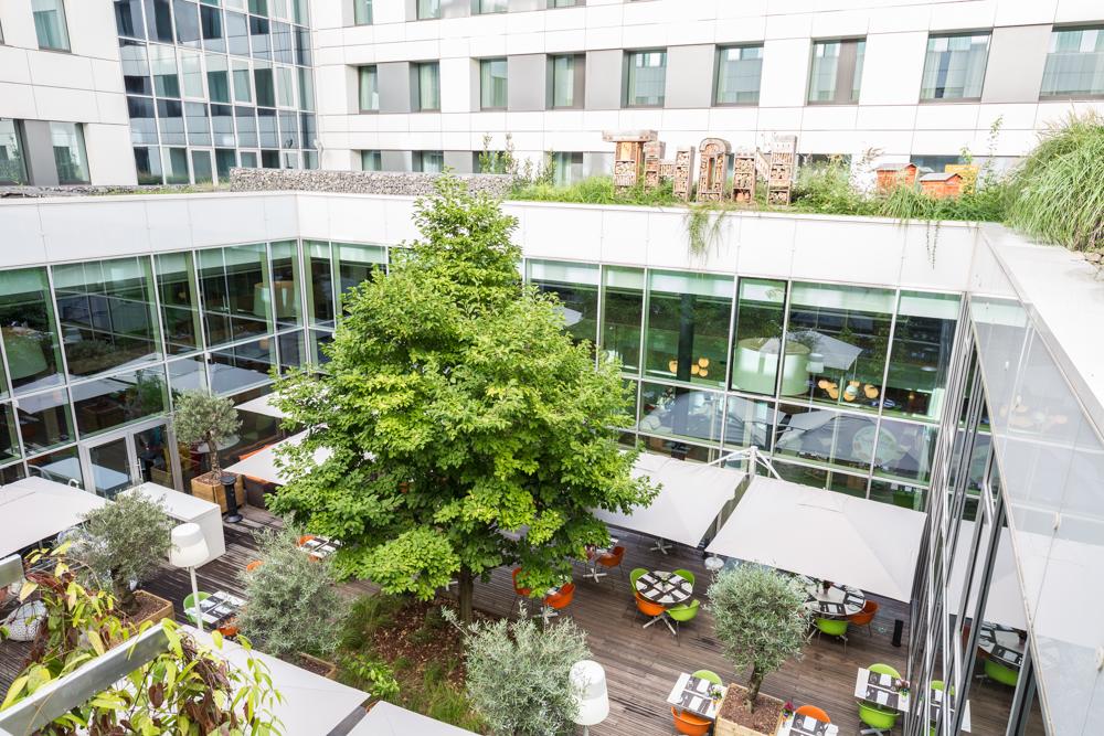 Garden terrace in Thon Residence EU