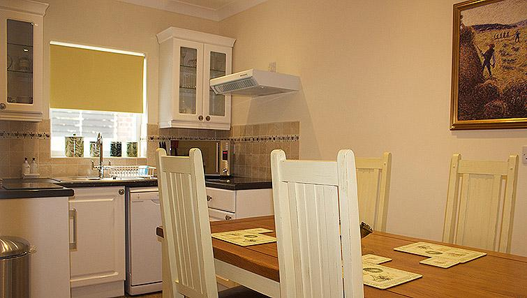 Inviting kitchen in The Town House Apartments