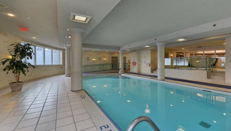 Swimming pool at Forest Vista Apartments