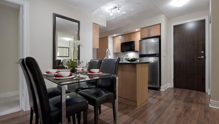 Attractive dining area in Circa Apartments