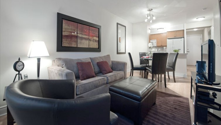 Attractive living area in Meridian Apartments