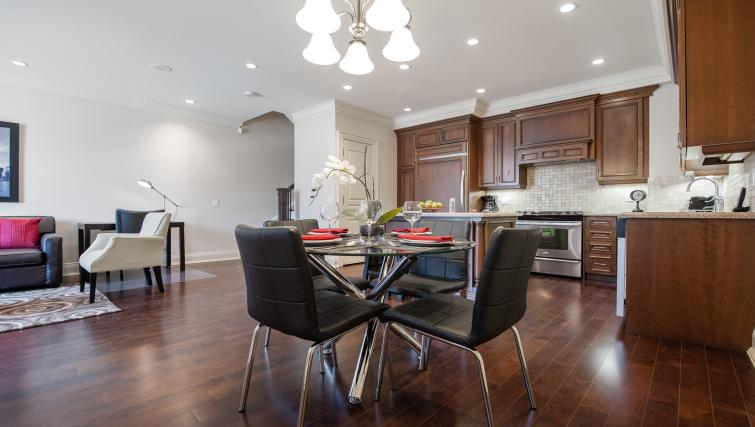 Dining area at Meridian Apartments
