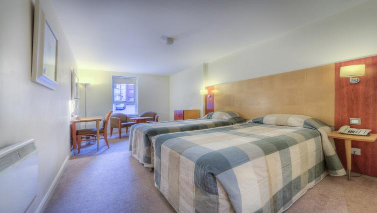 Beds at Holyrood Aparthotel