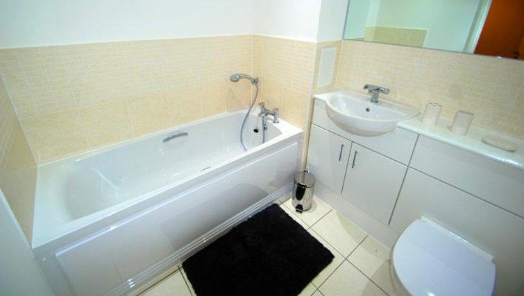 Pristine bathroom in Guildford Road Apartments